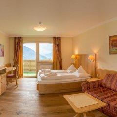 Отель Landsitz Stroblhof 4* Улучшенный номер фото 5