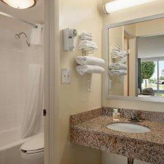 Отель Days Inn by Wyndham Frederick 2* Стандартный номер с различными типами кроватей фото 2