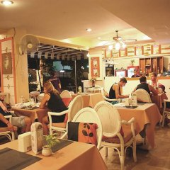 Отель Sawasdee SeaView гостиничный бар