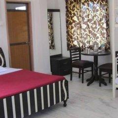 Отель Palace Anjali 2* Семейный номер Делюкс с различными типами кроватей фото 7