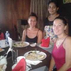 Golden Pizza Hotel & Restaurant питание фото 3