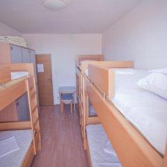 Youth Hostel Zagreb Кровать в общем номере с двухъярусной кроватью фото 6