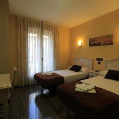 Отель Hostal Regio Стандартный номер с двуспальной кроватью фото 17