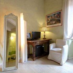 Отель LM Suite Spagna 3* Стандартный номер с двуспальной кроватью фото 15