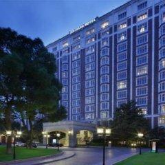 Отель Jin Jiang Hotel Shanghai Китай, Шанхай - отзывы, цены и фото номеров - забронировать отель Jin Jiang Hotel Shanghai онлайн вид на фасад фото 2
