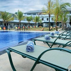Отель Coco Royal Beach Resort бассейн фото 3