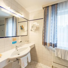 Отель Austria Classic Hotel Hölle Австрия, Зальцбург - отзывы, цены и фото номеров - забронировать отель Austria Classic Hotel Hölle онлайн ванная