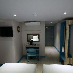 Queens Hotel 3* Улучшенный номер с различными типами кроватей фото 8
