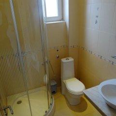 Отель Guestrooms Struma Dolinata Болгария, Симитли - отзывы, цены и фото номеров - забронировать отель Guestrooms Struma Dolinata онлайн ванная
