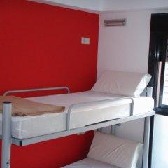 Center Valencia Youth Hostel Кровать в общем номере с двухъярусной кроватью фото 2