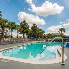Отель Comfort Inn & Suites near Universal Orlando Resort бассейн фото 3