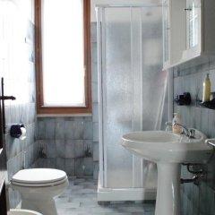 Отель Villetta Al Torchio Манерба-дель-Гарда ванная фото 2