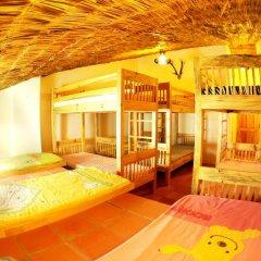 Отель Dalat Flower 3* Кровать в общем номере фото 2