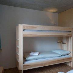 Youth Hostel Gstaad Saanenland Кровать в общем номере с двухъярусной кроватью фото 5