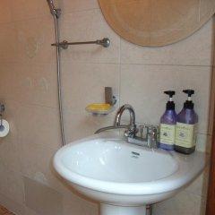 Отель Hyosunjae Hanok Guesthouse 2* Стандартный номер с различными типами кроватей (общая ванная комната)