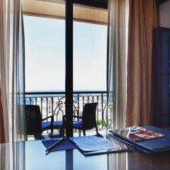 Отель The Palace 5* Номер Бизнес с различными типами кроватей фото 2