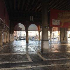 Отель Antico Mercato Италия, Венеция - отзывы, цены и фото номеров - забронировать отель Antico Mercato онлайн интерьер отеля