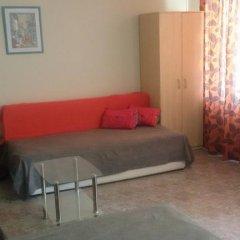Апартаменты Comfort Apartment Поморие комната для гостей фото 4