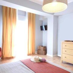 Lisbon Airport Hostel комната для гостей
