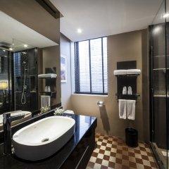 Отель The Continent Bangkok by Compass Hospitality 4* Представительский номер с различными типами кроватей фото 20