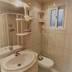 Отель J&V Avda Montserrat Испания, Курорт Росес - отзывы, цены и фото номеров - забронировать отель J&V Avda Montserrat онлайн ванная фото 2