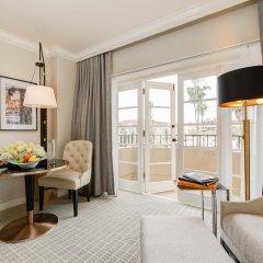 Отель Four Seasons Los Angeles at Beverly Hills 5* Номер Premier с различными типами кроватей фото 3