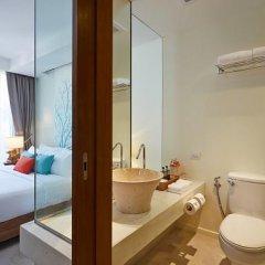 Отель Bandara Phuket Beach Resort 4* Улучшенный номер с двуспальной кроватью фото 5