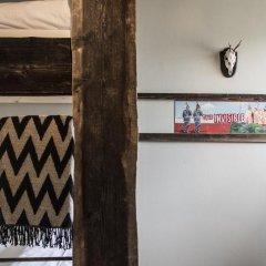 Gspusi Bar Hostel Кровать в общем номере с двухъярусной кроватью фото 2
