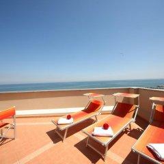 Отель Clitunno Италия, Римини - отзывы, цены и фото номеров - забронировать отель Clitunno онлайн пляж
