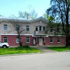 Hotel Volkovsky Санкт-Петербург парковка