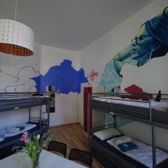 Kiez Hostel Berlin Кровать в женском общем номере с двухъярусной кроватью фото 6