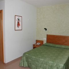 Hotel Fonda Neus Стандартный номер с 2 отдельными кроватями