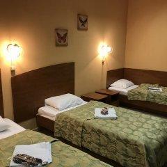 Мини-Отель Добрый Кот Кровать в общем номере фото 9