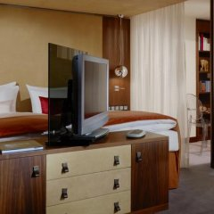 Hotel Vier Jahreszeiten Kempinski München 5* Улучшенный номер с двуспальной кроватью фото 4