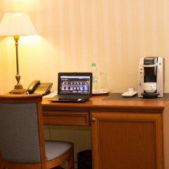 Гостиница Айвазовский Полулюкс с двуспальной кроватью фото 3
