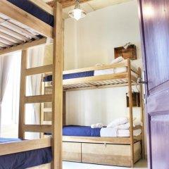 Two Pillows Boutique Hostel Кровать в общем номере с двухъярусной кроватью фото 16