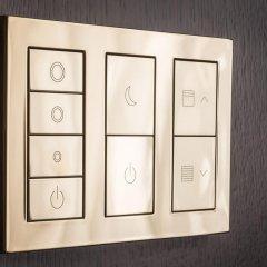 Four Seasons Hotel London at Ten Trinity Square 5* Улучшенный номер с различными типами кроватей фото 2