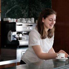 Отель Emilia Италия, Римини - отзывы, цены и фото номеров - забронировать отель Emilia онлайн гостиничный бар