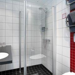 Отель Connect Hotel City Швеция, Стокгольм - 2 отзыва об отеле, цены и фото номеров - забронировать отель Connect Hotel City онлайн ванная