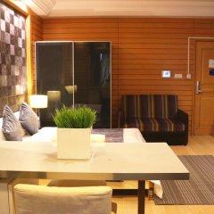 Апартаменты She & He Service Apartment - Huifeng Номер Делюкс с различными типами кроватей фото 7