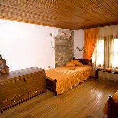 Отель Villa Fiikova Болгария, Сливен - отзывы, цены и фото номеров - забронировать отель Villa Fiikova онлайн комната для гостей фото 5