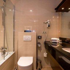 Отель XO Hotels Blue Tower 4* Стандартный номер с двуспальной кроватью