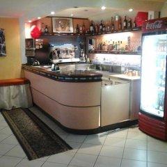 Отель Half Moon гостиничный бар