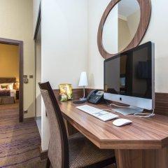 Merchants Crown Hotel 5* Улучшенный номер фото 6