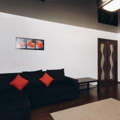 Апартаменты Apartments in Center of Yekaterinburg Екатеринбург комната для гостей фото 2