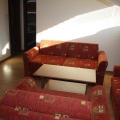 Апартаменты Two-Bedroom Apartment in Bojurland Банско комната для гостей фото 5
