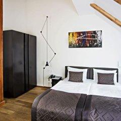Отель Golden Crown 4* Улучшенный номер с двуспальной кроватью фото 28