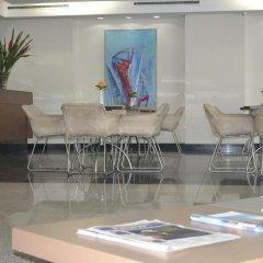 Отель Blue Tree Towers Macae гостиничный бар