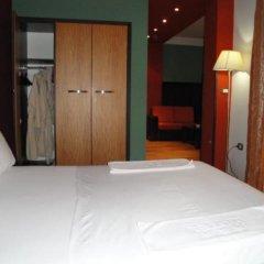 Epidami Hotel сейф в номере