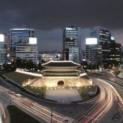 Отель Ramada Hotel and Suites Seoul Namdaemun Южная Корея, Сеул - 1 отзыв об отеле, цены и фото номеров - забронировать отель Ramada Hotel and Suites Seoul Namdaemun онлайн балкон